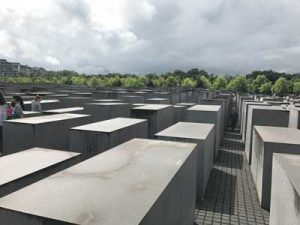 the-memorial-to-the-dead-jews-in-europe-across-from-the-reichstag