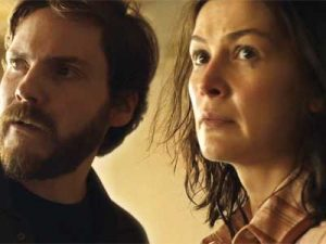 daniel-bruhl-in-7-days-in-entebbe-photo-focus-features