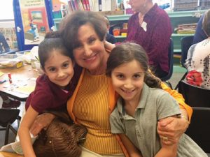 sandra-dimenstein-with-her-granddaughter-and-great-grand-daughter-at-soille-hebrew-day-school