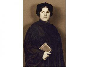 regina-jones-the-first-woman-to-be-ordained-as-a-rabbi-was-killed-in-auschwitz-in-1944
